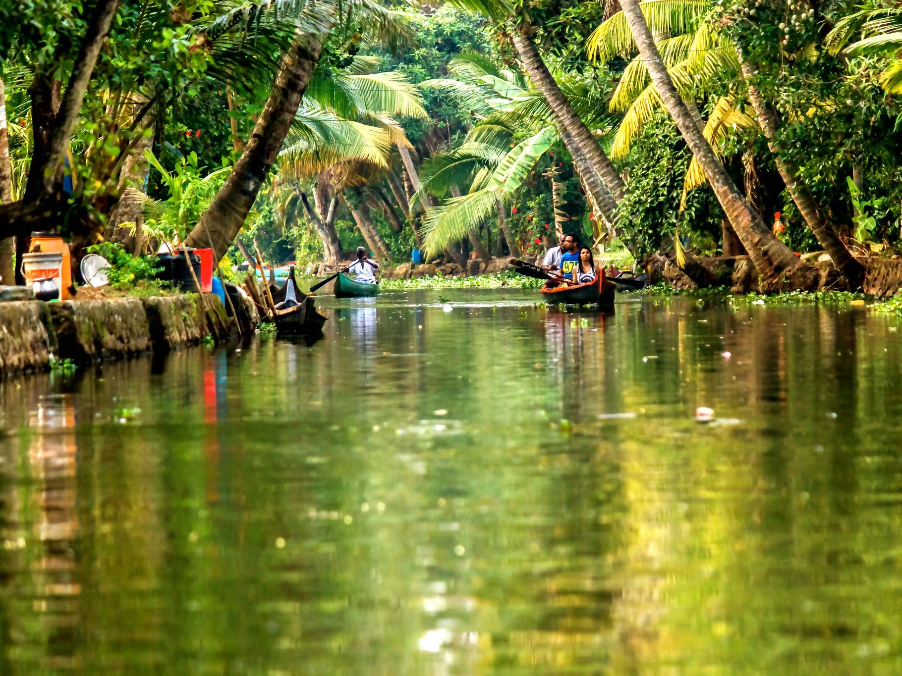 athirapally and Alleppey tour package